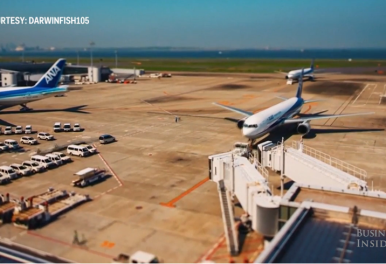 Traffico aereo quotidiano di Tokyo in timelapse